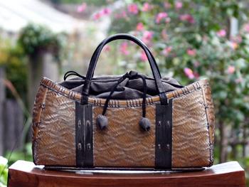 レトロな竹バッグ