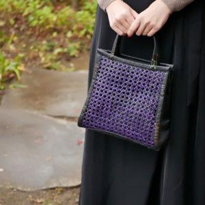 正方形のパープルカラー竹バッグ