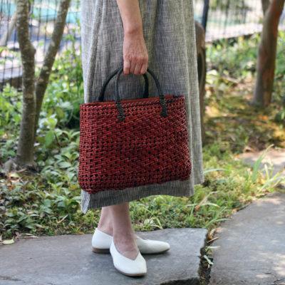 透かし石畳編みバッグ