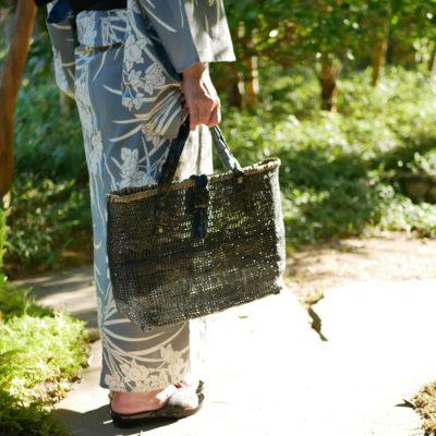 ワニ革ハンドル石畳編みバッグ