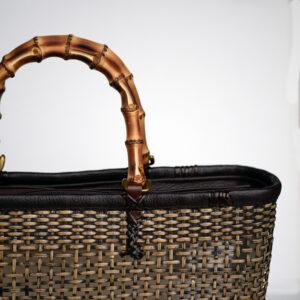 籐のハンドバッグ